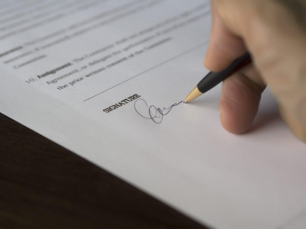 Cambio de nombre y apellidos: procedimiento y requisitos